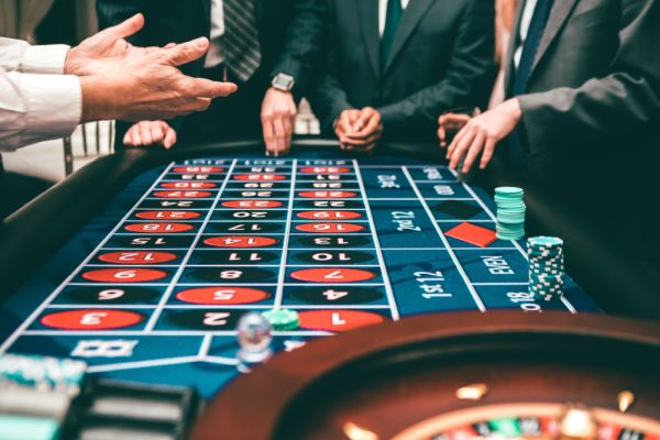 Placing bets in roulette